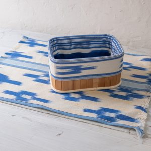 Breadbasket with a border made in Mallorcan fabric